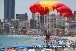 Parachuting onto Poniente