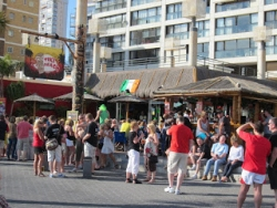 Bars busy in Benidorm - Benidorm All Year Round