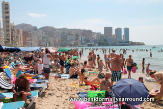 Busy Levante beach
