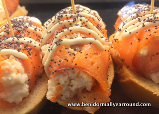 crab and salmon pincho